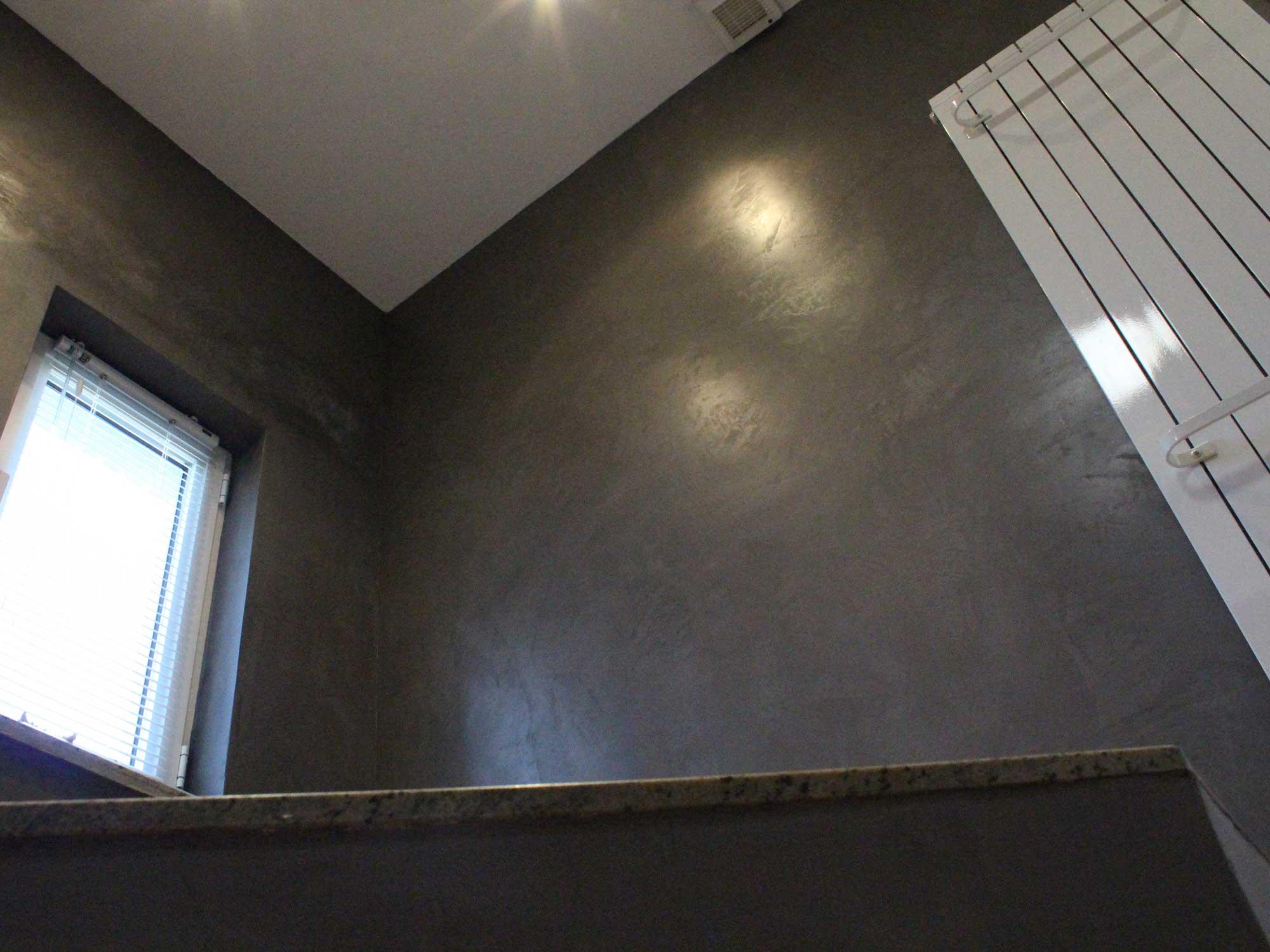 Aplicatie Mortex over tegels in badkamer | Bollaert bvba